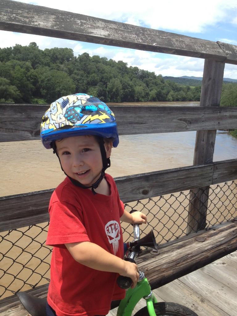 A happy little guy on the Ivanhoe Bridge