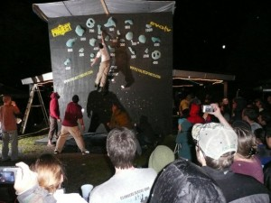 """Watching the """"Dyno Comp"""" from Rendezvous '08"""